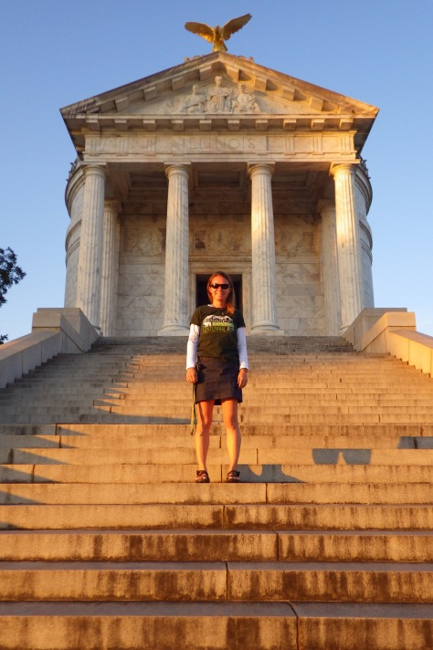 Tiff on steps of Illinois Memorial